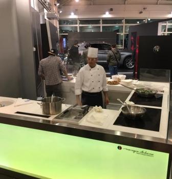 La console DJ-CHEF di Mangia Italiano alla concessionaria Gruppo Diba